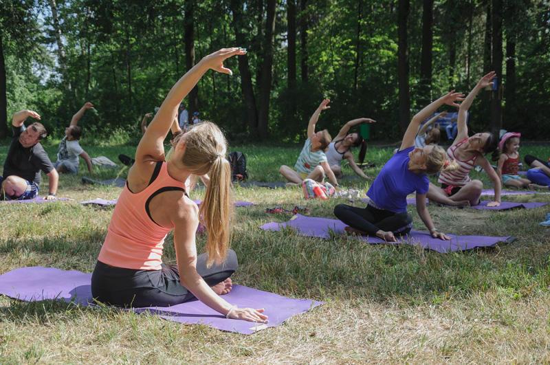 Йога для начинающих утром